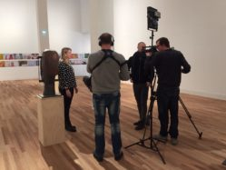camerateam WDR interviewt Liesbeth Mantel